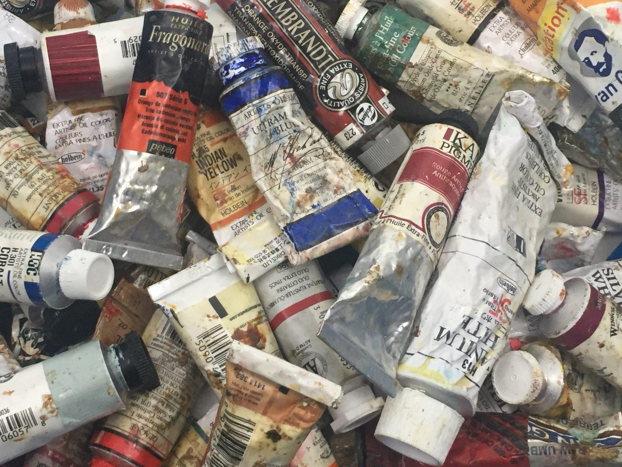 tubes de peinture à l'huile